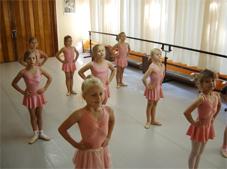 8 Jährige beim Unterricht